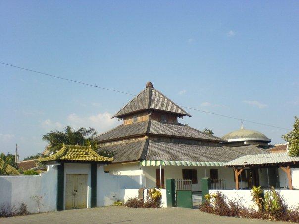 -Masjid Tegalsari- foto: wikipedia.org