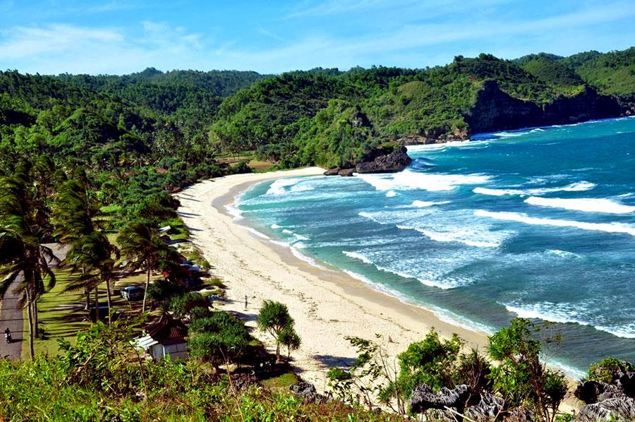 Lanskap-indah-pantai-Teleng-Ria-Pacitan
