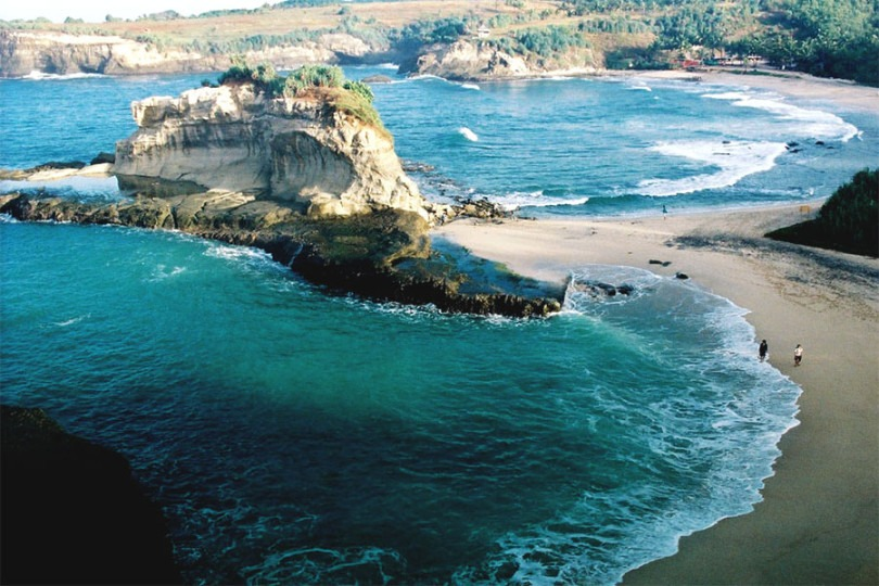 Pantai-Klayar-Pacitan-810x540